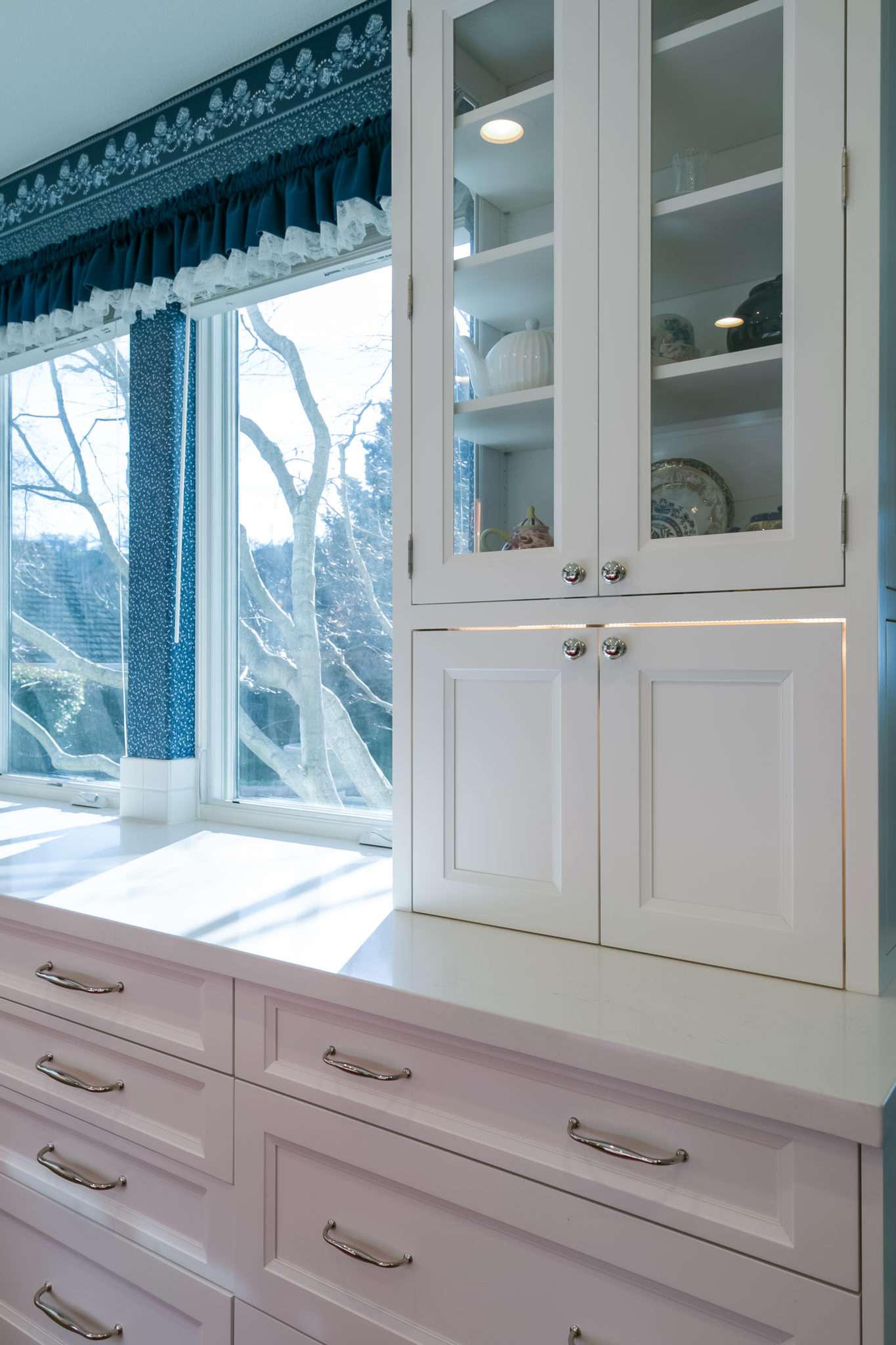 Integrated Kitchens | Transitional White, Red & Blue